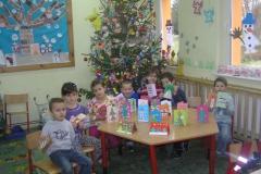 Przygotowania do Świąt Bożego Narodzenia u 6- latków.
